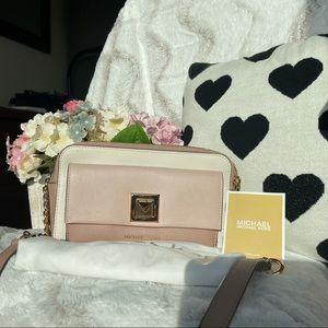 Pre love sling bag MK